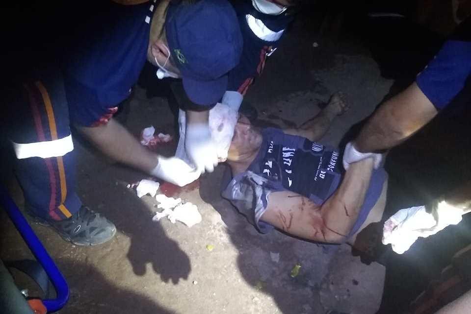 Homem é vítima de tentativa de homicídio nas primeiras horas da madrugada desta segunda-feira em Pinheiro