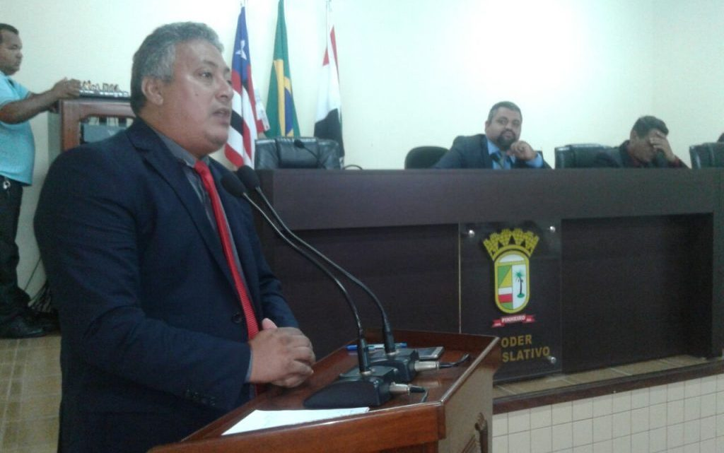 Pinheiro – Vereador Sandro Lima diz que secretaria de agricultura do município não funciona e que o prefeito Luciano Genésio é omisso por não tomar providência
