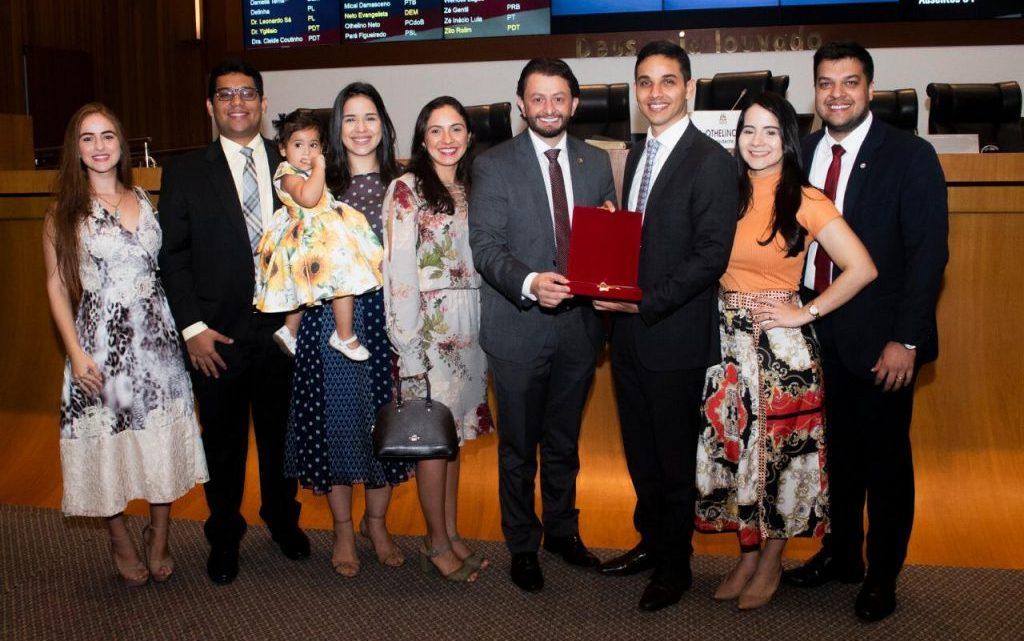 Deputado Dr. Leonardo Sá participa de Sessão Solene In Memorian