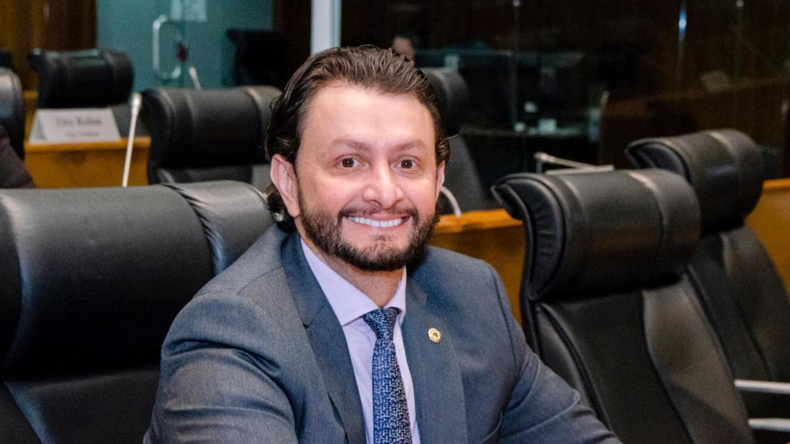 """Deputado Dr. Leonardo Sá solicita """"Caravana Mais Esporte e Lazer"""" para Pinheiro"""