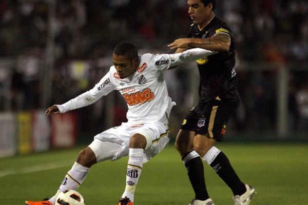 Campeão da Libertadores pelo Santos, Adriano Pagode assina com o Imperatriz