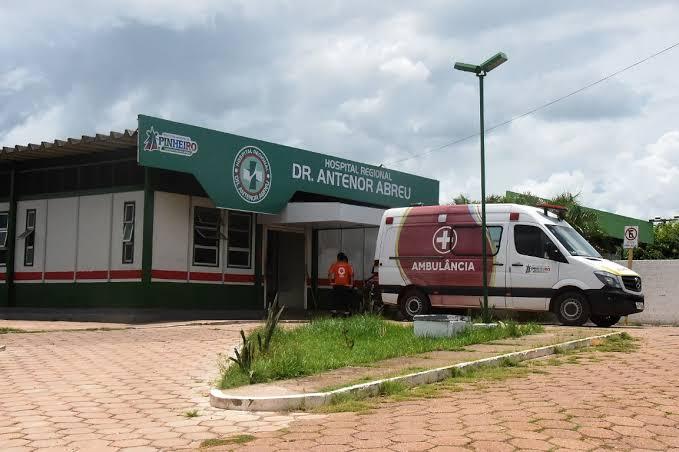 Em Pinheiro, advogado usa redes sociais para fazer desabafo sobre o descaso da gestão municipal com a saúde pública do município, veja o vídeo