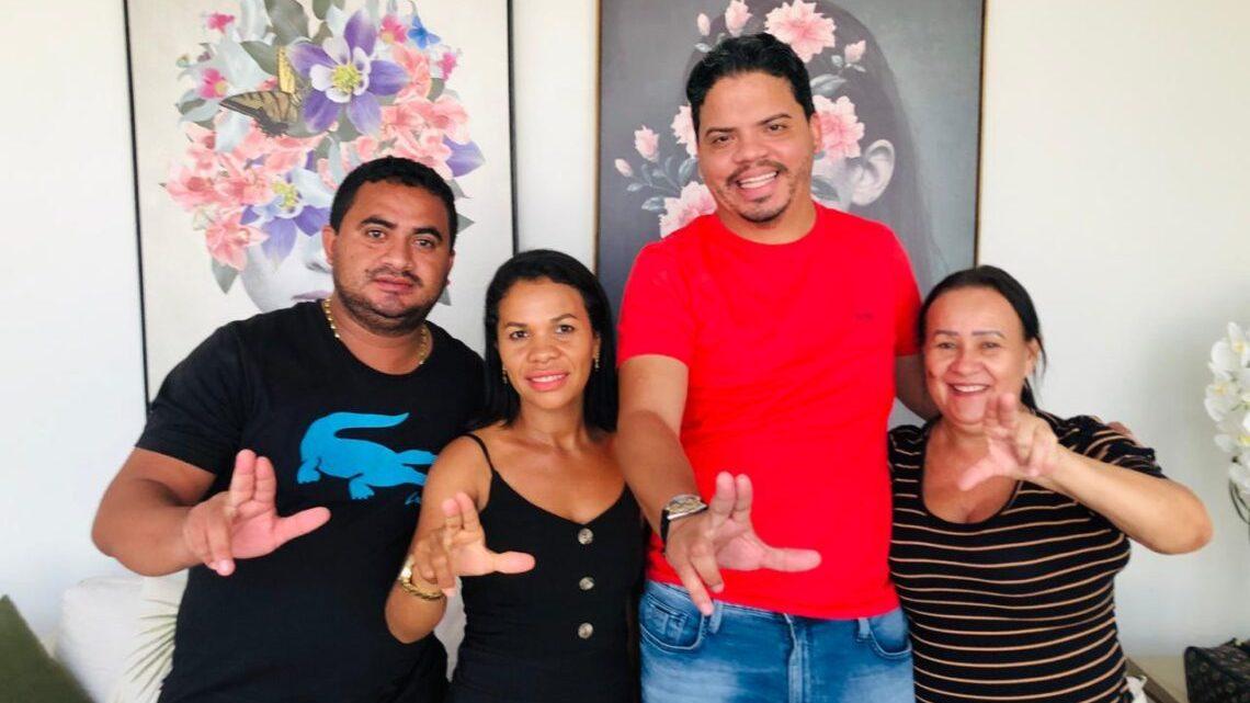 Luciano Genésio compra as custas de dinheiro público, duas candidatas do grupo de Leonardo Sá em Pinheiro