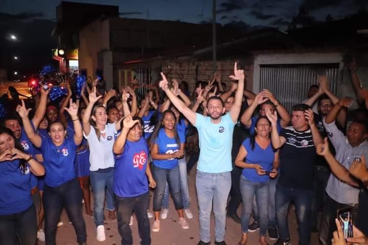 Onda azul – Bairro Dondona Soares recepciona de forma calorosa candidato a prefeito Leonardo Sá