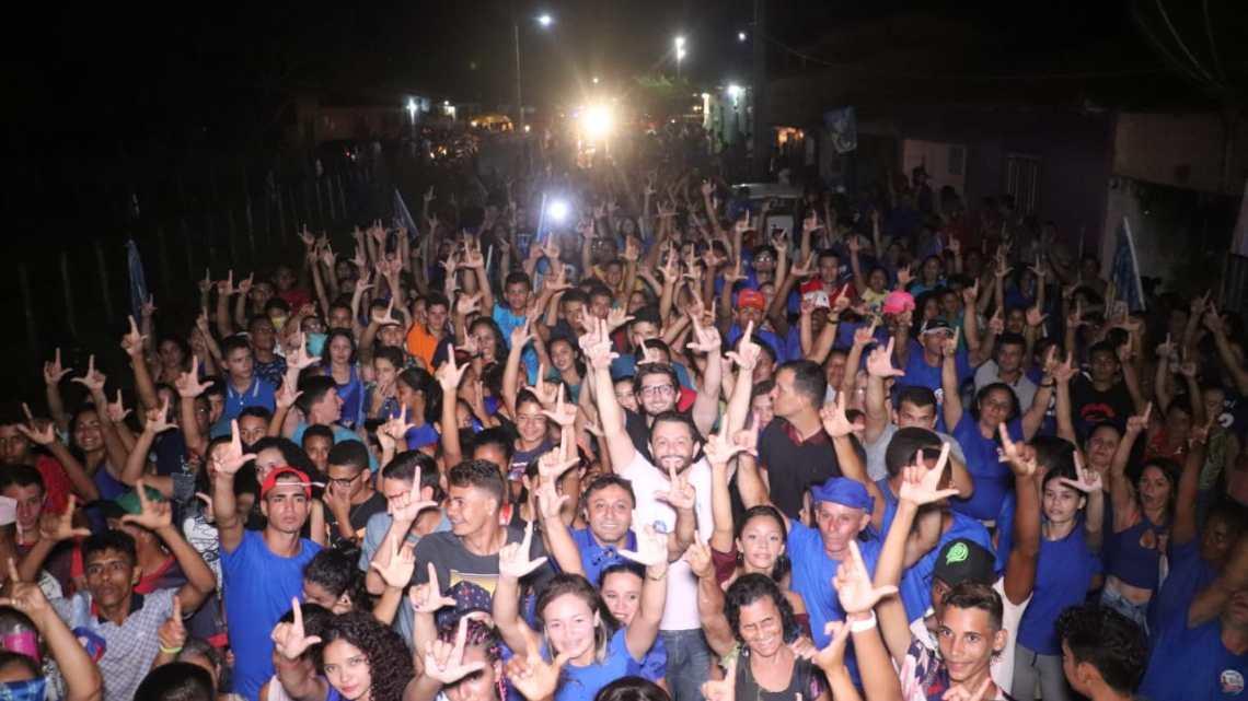 Rumo a Vitória – Riba do Bom Viver e Leonardo Sá, arrastam multidão em evento realizado nesta quinta-feira no povoado Bom Viver