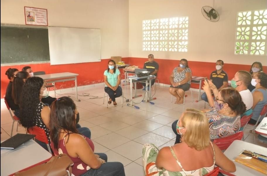 Secretaria de educação de Porto Rico, realiza durante dois dias formação continuada para aproximadamente 120 professores da rede Municipal de ensino