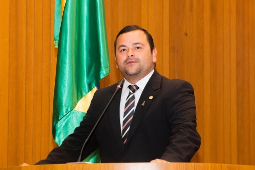 Deputado estadual do Maranhão tem celular clonado e criminosos começam disparar mensagem com pedido de transferência