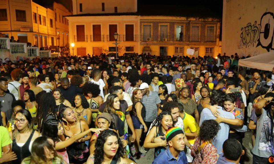 Estilo de dançar reggae 'agarradinho' pode virar Patrimônio Cultural Imaterial do Maranhão