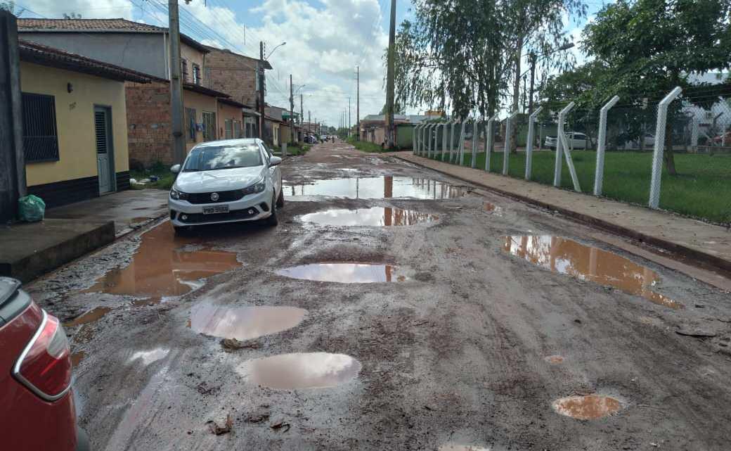 Pinheiro – Vereador Riba do Bom Viver denuncia péssimas condições da rua Edivaldo Moraes no bairro Antigo Aeroporto, e cobra ações da prefeitura para resolver o problema