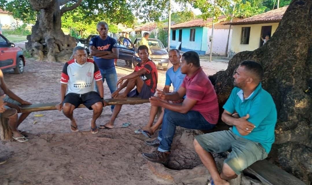 Alcântara – Vereadores se reúnem com moradores do povoado Mamuna, e discutem construção de ponte de concreto na comunidade