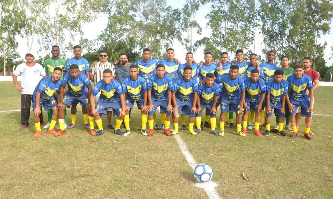 Prefeito Aldo Brown prestigia estreia de Porto Rico na copa Júnior de futebol sub-20, que venceu o time de Frechal no último domingo (22)