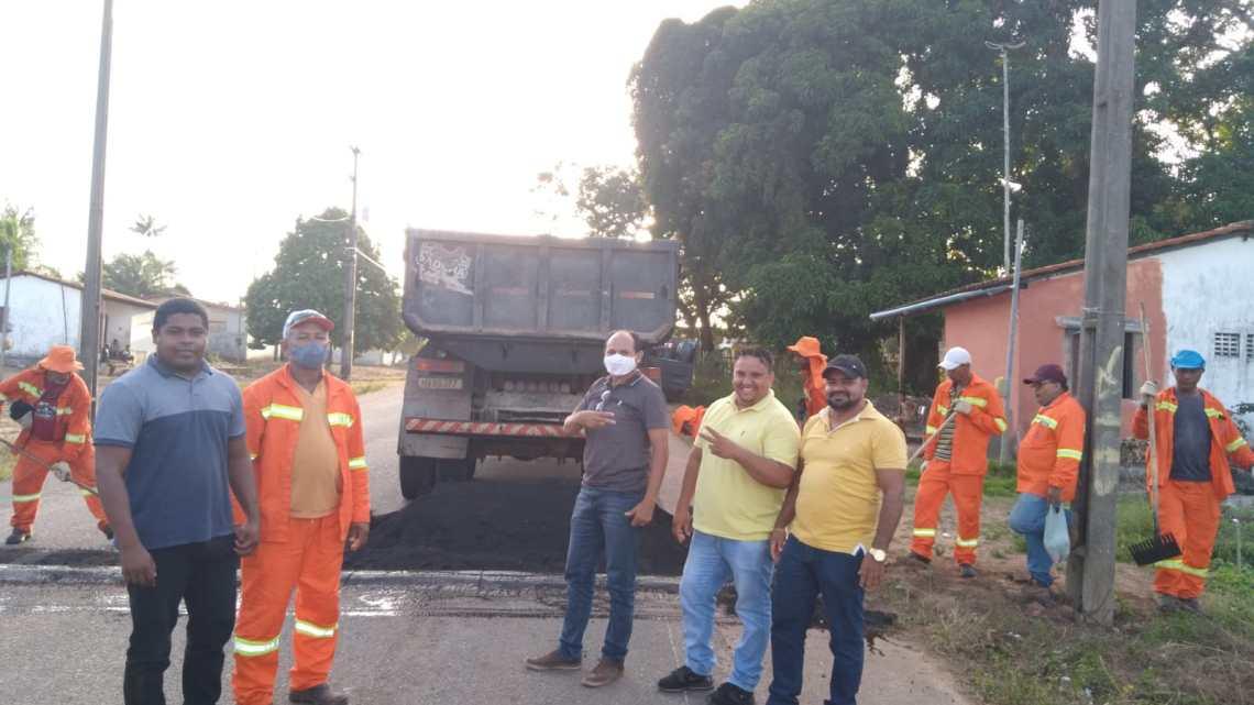 Alcântara – Vereadores intermediam reforma de quebra-molas no povoado Rio do Pau, e recuperação de trecho da avenida Anel de Contôrno na sede do Município