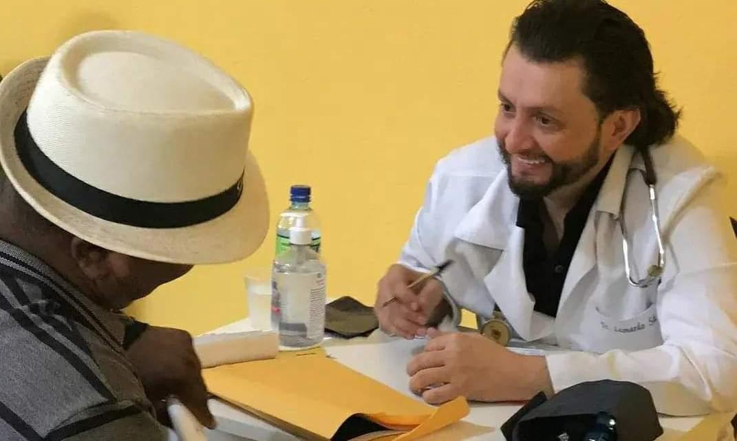 No dia do médico, Dr Leonardo Sá relembra sua trajetória e parabeniza todos os colegas de profissão
