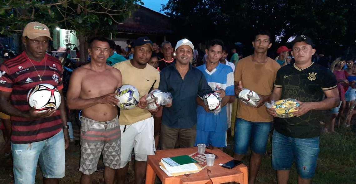 Abertura do campeonato Vereador Riba do Bom Viver no povoado Campo Novo da Chapada, é sucesso absoluto de público