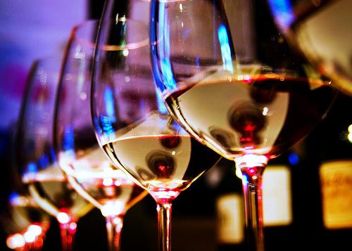 Como descobrir um vinho estragado. Dicas, cheiros e cor.