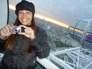 Querida Debinha toda pimpona na London Eye