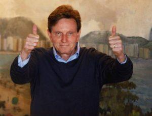 Crivella só cumpre nove das 54 promessas de campanha