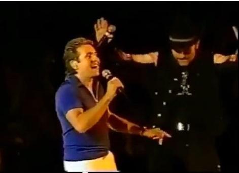 Depois de Hendrix, o U2 se rende aos Monkees