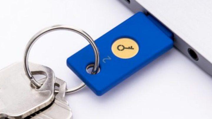 Chaves USB de US$ 20 garantem a segurança de 85 mil funcionários da Google