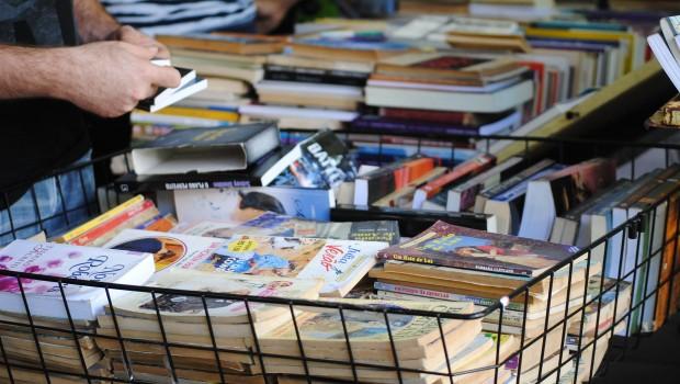 Brasileiros incrementam a compra de livros usados
