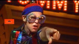 Elton John como o Pinball Wizard