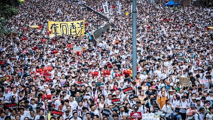 Saiba como os protestos em Hong Kong podem afetar a sua viagem até a China