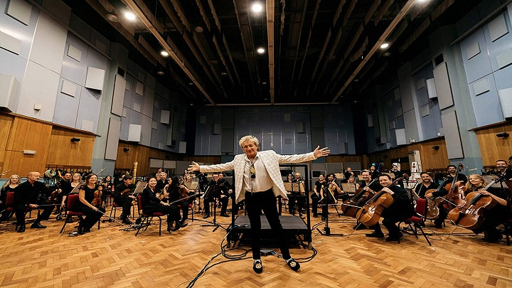 Rod Stewart divulga vídeo de 'Sailing' com a Royal Philarmonic Orchestra