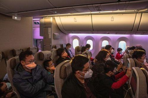 Máscara em avião