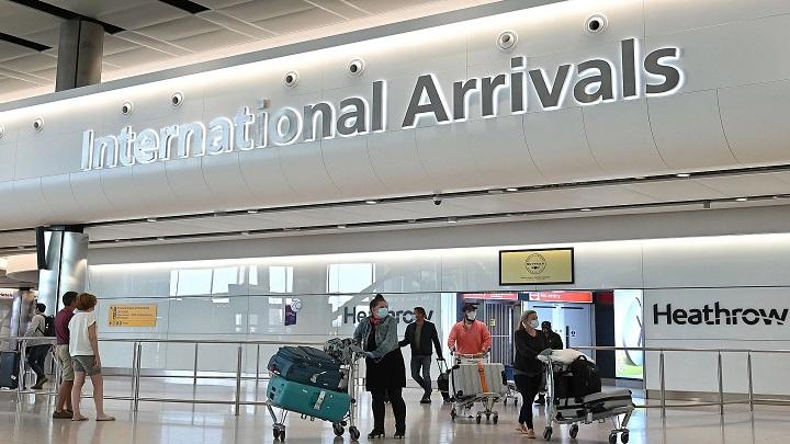 Restrições aos passageiros do aeroporto de Heathrow levantam dúvidas