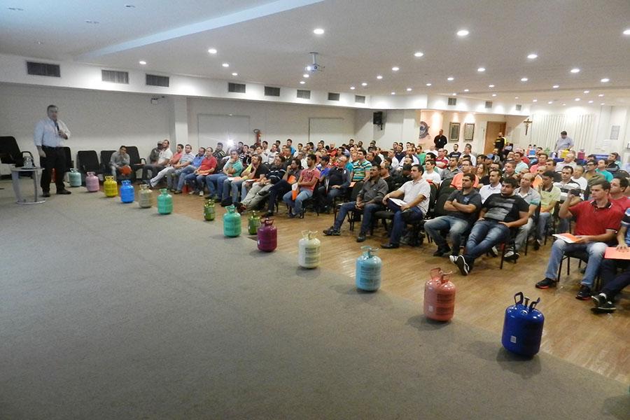 Chemours realiza palestra técnica sobre tendências na refrigeração em Belém