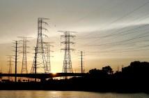 Torres de transmissão de energia elétrica