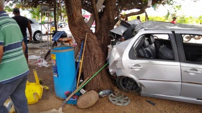 Acidente BR 230 S%C3%A3o Gon%C3%A7alo foto 4 - TRAGÉDIA: grave acidente na BR 230 em Sousa deixa uma mulher morta e mais dois homens feridos