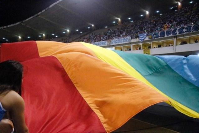 NA PARAÍBA – Entra em vigor Lei que pune clubes e torcedores por atitudes homofóbicas e racistas