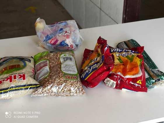 Em Cruz do Espírito Santo, vereador diz que cesta básica distribuída pela prefeita só dá para cozinhar um dia