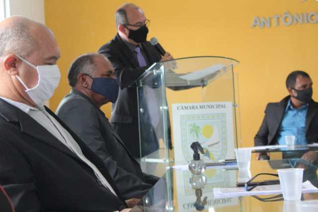 CONTRA BOLSONARO – Vereador Sandro Toscano, de Lucena-PB, dá voto de repúdio a presidente por ataques a Imprensa