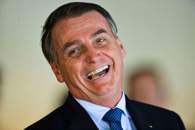 Bolsonaro é condenado a indenizar repórter por ataques, ironias e risadas durante pergunta