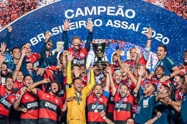 Flamengo bate Palmeiras nos pênaltis e leva Supercopa do Brasil