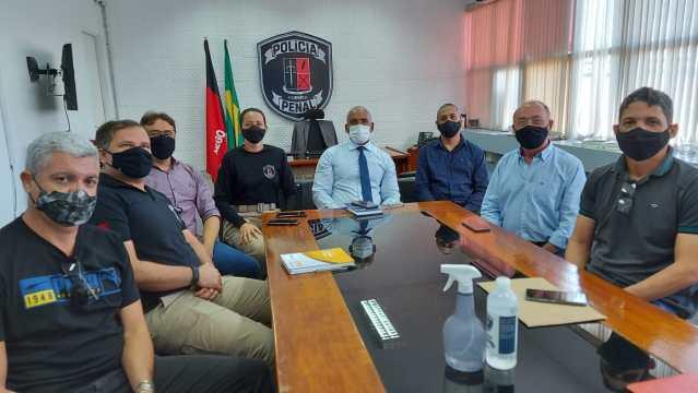 Policiais penais aguardam reunião para definir subsídio da categoria conforme anúncio do governador