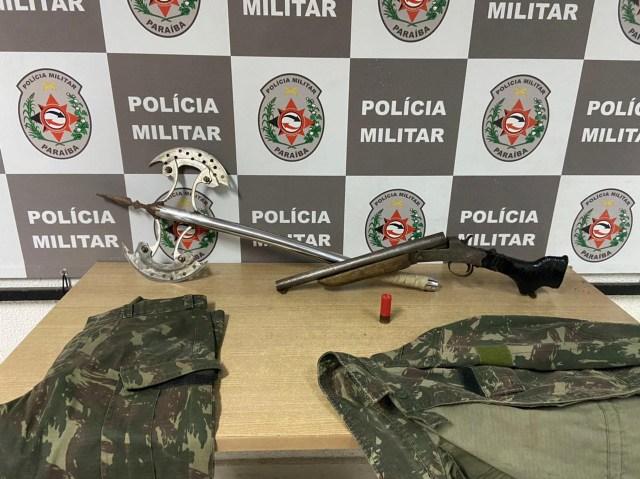 Polícia apreende arma e machado que seriam usados em homicídio na Capital
