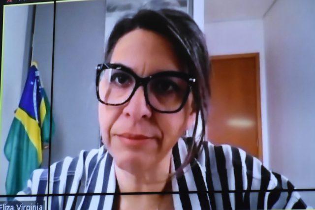 Vereadora critica doutrinação ideológica nas escolas
