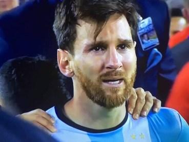 messi chorando