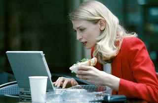 É melhor comer pouco tranquilamente do que comer muito apressadamente!