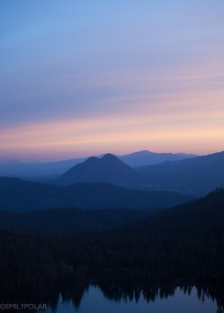 Castle lake in Mt. Shasta Wilderness at sunrise.