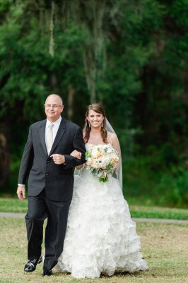 Photos by Ailyn La Torre Photography / Wedding Planning by Oh So Classy Events in Tampa Florida