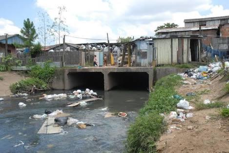 Saneamento basico: pior que a má educação
