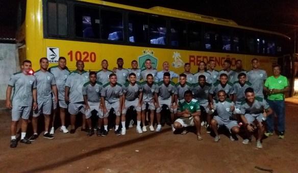 Delegação do Alecrim FC no momento da viagem a São Paulo, em 30 de 2016.
