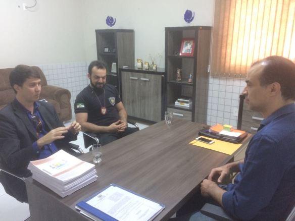 Delegados discutiram com o prefeito medidas para melhorar a segurança da região