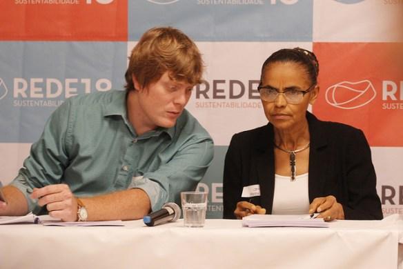 Zé Gustavo conheceu Marina em 2011
