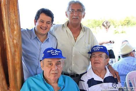 No aniversário de Dr. Maurílio, com Admilson, e o juiz Célio Maia.