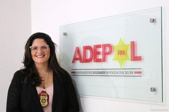 Delegada Taís Aires eleita nova presidente da Adepol